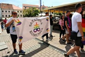 LGBT Satanova komunita pochodovala v Banskej Bystrici 3