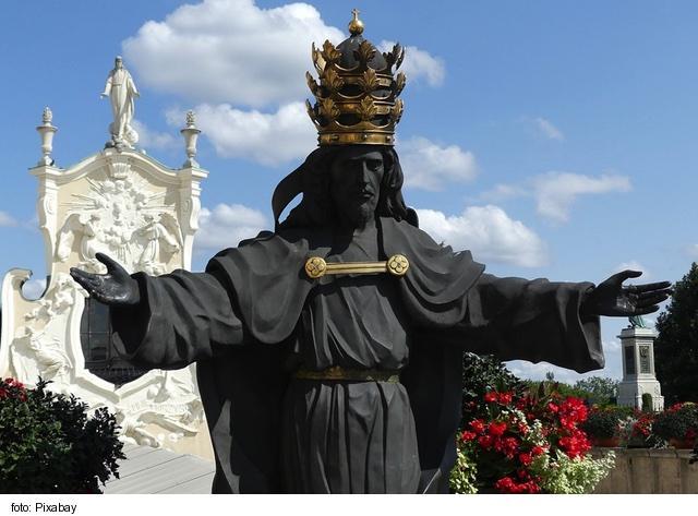 V Katolíckej cirkvi bude najbližšiu nedeľu Slávnosť Krista Kráľa 1