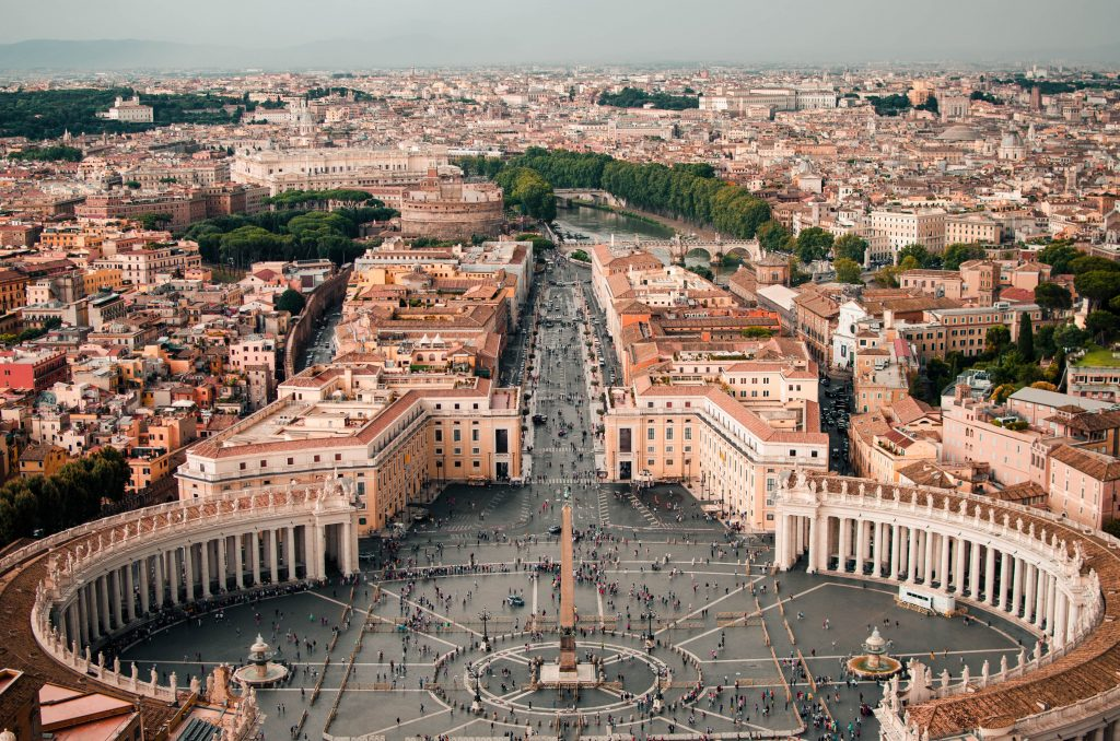 Vatikán: niektoré opatrenia proti Covid-19 mali negatívne dôsledky pre slobodné vyznávanie viery 2