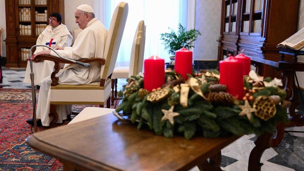 Stredajšiu katechézu venoval Svätý Otec rozmeru požehnania v modlitbe 2