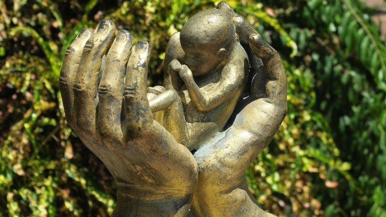 Americkí biskupi kritizujú Bidenov krok financovať šíriteľov potratov 3