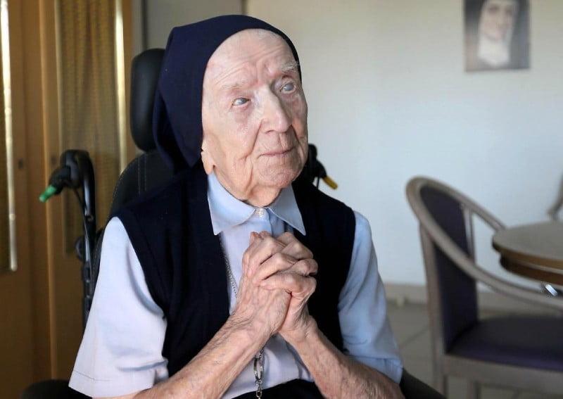 Francúzska mníška, ktorá vo štvrtok oslávi 117. narodeniny, prekonala Covid-19 3