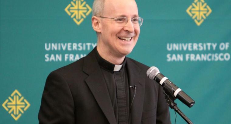 Rev. James Martin vedie LGBT revoltu voči pápežovi Františkovi 1