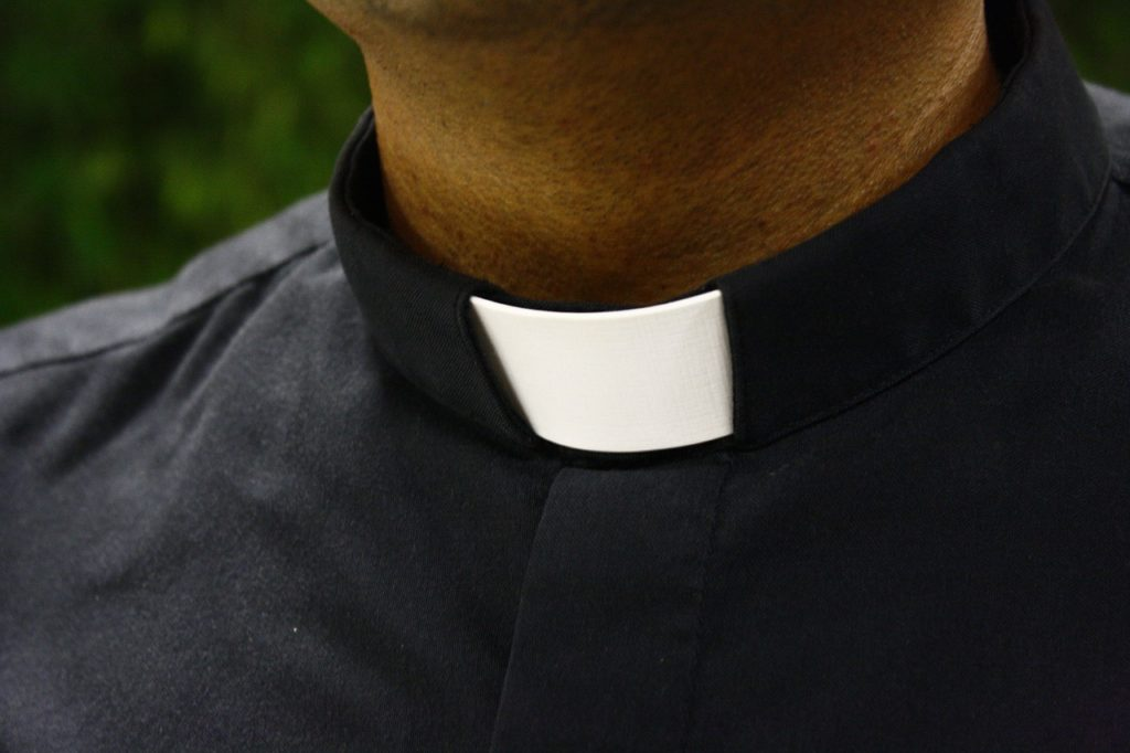 """Kňaz prepustený z kresťanskej školy za """"podkopávanie LGBT agendy"""" 5"""