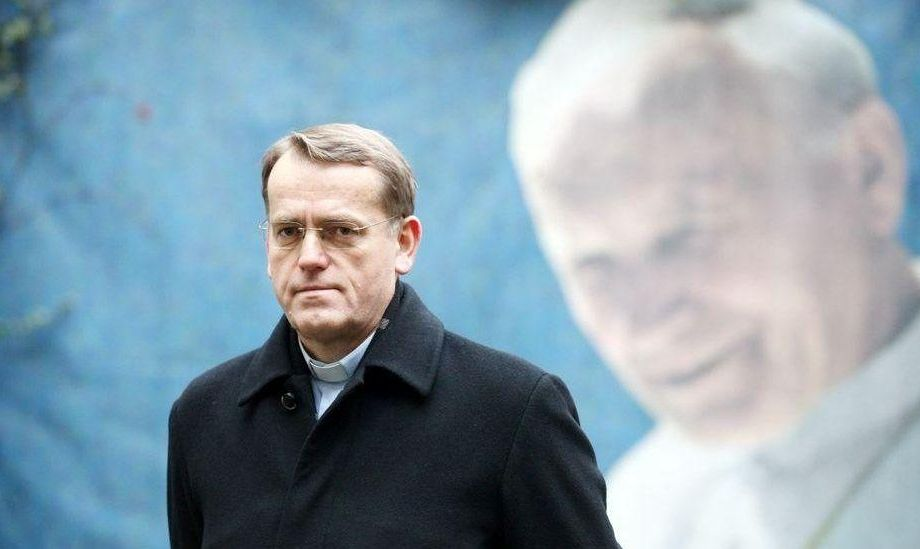 Homolobby v nemeckej cirkvi útočí! Požaduje potrestanie prof. Oka za knihu Levanduľová mafia 1