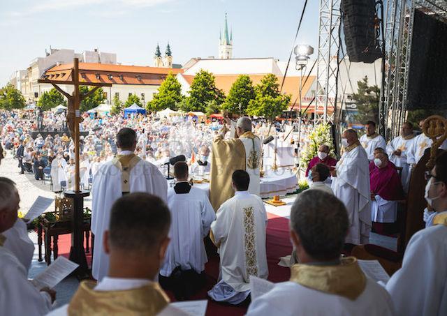 Cyrilo-metodská púť s poľským arcibiskupom Gądeckim - odsúdil potraty, lgbt aj liberalizus 4