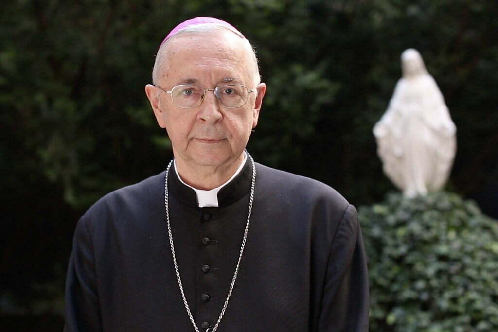 Arcibiskup Gądecki iba pripomenul nemenné morálne učenie Cirkvi, ktoré je súčasťou cyrilometodského duchovného dedičstva, na ktoré sa odvoláva Ústava SR 1