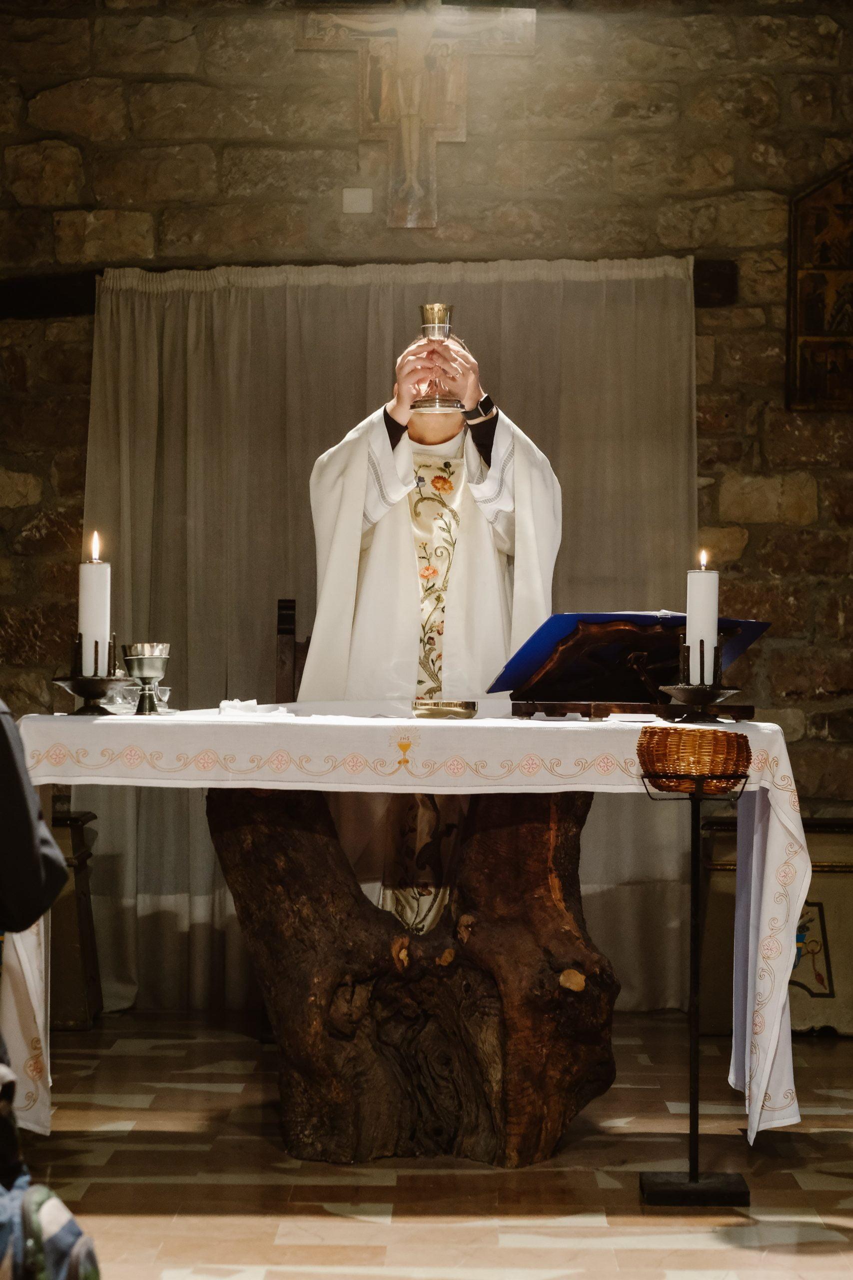 kňaz sdzr eucharistia omša